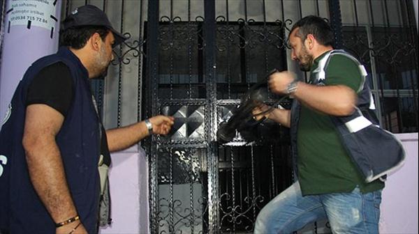Adana'da 700 polisle şafak operasyonu
