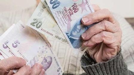 'Mayıs'ta promosyon alacak emeklilere ödemeleri Nisan'da yapılacak'