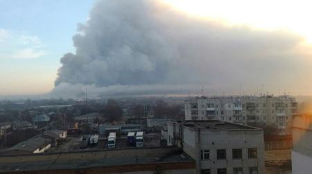 Ukrayna'da cephanelikte patlama! 20 bin kişi tahliye edildi